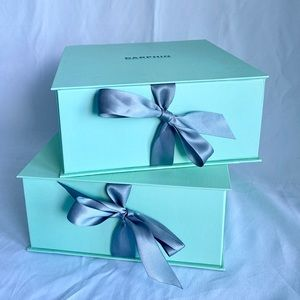 Tiffany blue gift box with silk ribbon